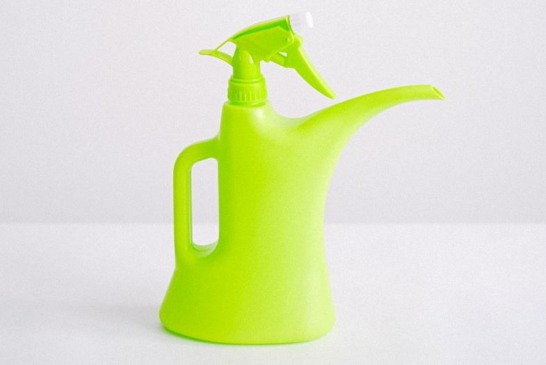 Regadera con spray apta para la fase de geminación